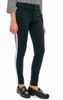 Зауженные черные брюки с лампасами S.Oliver