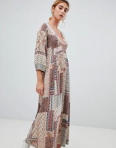 Платье с принтом пейсли Pull&bear - Кремовый