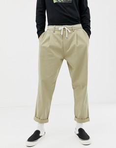 Серо-бежевые свободные брюки Bershka - Светло-бежевый