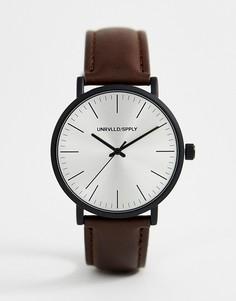 Часы с коричневым ремешком и черным матовым корпусом ASOS DESIGN - Коричневый