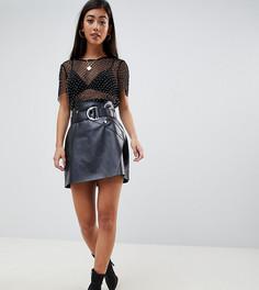 Короткая юбка-трапеция из искусственной кожи с ремнем ASOS DESIGN Petite - Черный