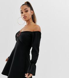 Черное платье с открытыми плечами и пряжкой спереди Boohoo Petite - Черный