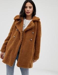 Двубортное пальто из искусственного меха QED London - Рыжий