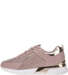 Розовые кроссовки с монограммой бренда Guess