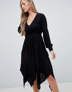 Черное платье миди с запахом и вышивкой Forever New - Черный