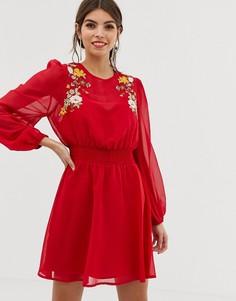 Короткое приталенное платье с вышивкой ASOS DESIGN - Красный