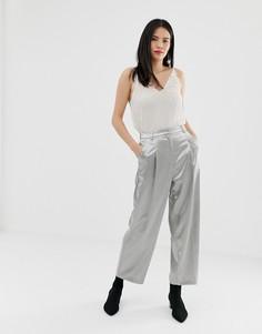 Серебристые брюки прямого кроя Miss Selfridge - Серебряный