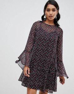 Свободное платье с принтом и расклешенными рукавами YAS - Мульти Y.A.S