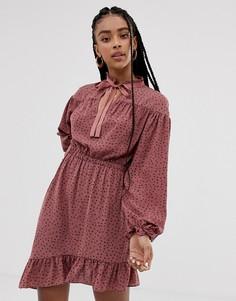 Асимметричное платье в горошек с бантом на воротнике Wild Honey - Розовый