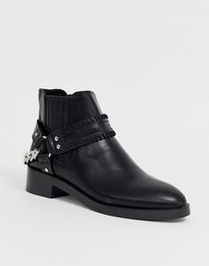 Черные ботинки на плоской подошве с отделкой ремешками Pull&bear - Черный