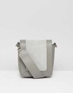 Кожаная сумка на плечо с замшевой вставкой ASOS DESIGN - Серый