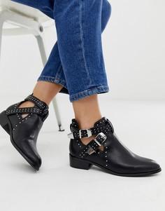 Черные ботинки на низком каблуке с заклепками и ремешками Pimkie - Черный
