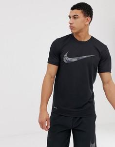 Черная футболка с камуфляжным логотипом-галочкой Nike Training - Черный