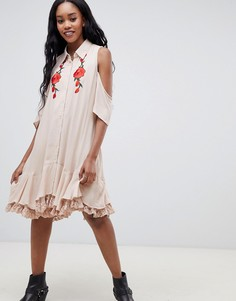 Платье-рубашка с открытыми плечами и вышивкой Glamorous - Розовый