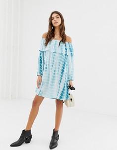 Платье с открытыми плечами и принтом тай-дай Glamorous - Синий