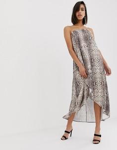 Атласное платье макси бандо с принтом под змеиную кожу ASOS DESIGN - Мульти