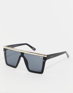Золотисто-черные солнцезащитные очки с плоским верхом Quay Australia - Черный