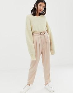 Льняные зауженные брюки с веревочным поясом ASOS DESIGN gutsy - Розовый