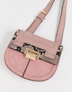 Розовая сумка на пояс с золотистой пряжкой River Island - Розовый