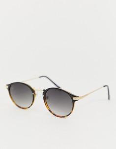 Круглые солнцезащитные очки с черной и черепаховой отделкой Jeepers Peepers - Коричневый