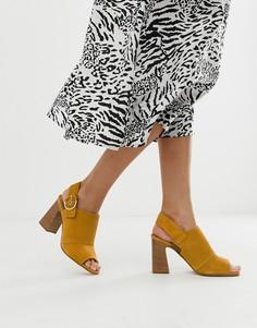 Кожаные босоножки горчичного цвета на каблуке с пряжкой ALDO Elalyan - Желтый