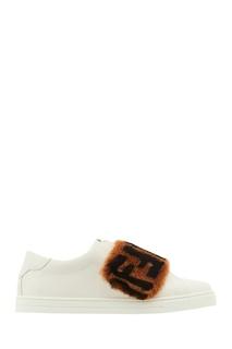 Белые слипоны с меховым декором FF Fendi