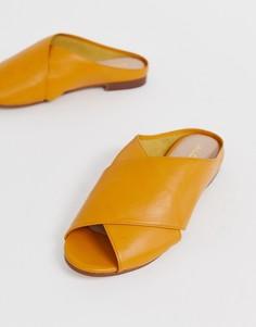 Кожаные сандалии горчичного цвета с перекрещенными ремешками ALDO Rireviel - Желтый