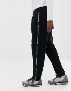 Черные/белые трикотажные джоггеры в стиле колор блок с отделкой лентой по бокам Emporio Armani - Черный