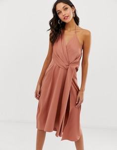 Атласное платье миди с драпировкой ASOS DESIGN - Коричневый