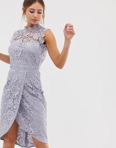 Кружевное платье-футляр миди серо-бежевого цвета с запахом Paper Dolls - Серый