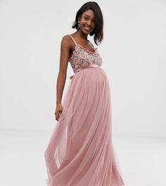 6d9067bd41f8d9f Платье макси на бретелях с декорированным лифом Maya Maternity - Розовый