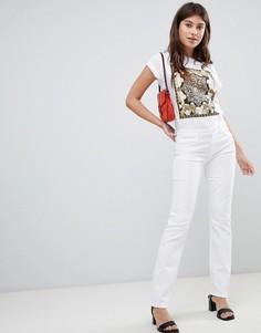 Прямые джинсы с классической талией J Brand Amelia - Белый