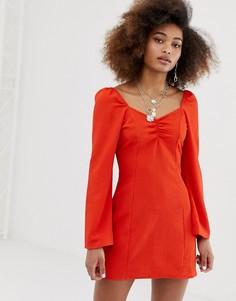 Короткое расклешенное платье из жатой ткани COLLUSION - Красный