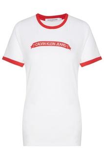 Белая футболка с красной отделкой Calvin Klein