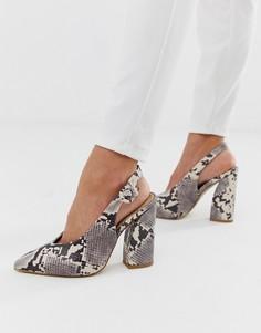 Туфли на блочном каблуке с ремешком через пятку и змеиным принтом RAID Brook - Бежевый