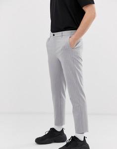 Серые укороченные брюки скинни в тонкую полоску Bershka - Серый