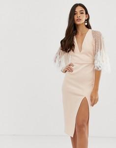 Платье-футляр миди с искусственными перьями и кейпом ASOS DESIGN - Розовый