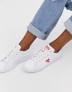 Кеды с красными сердечками adidas Originals Stan Smith - Белый