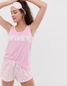 Розовая пижама с надписью wifey и принтом сердец и маска для сна Loungeable - Hen Party - Розовый
