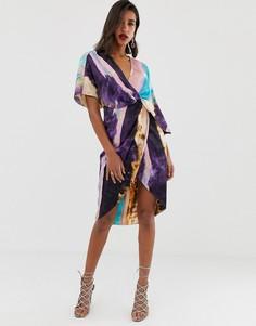 Атласное платье-кимоно миди с узлом спереди, асимметричными рукавами и абстрактным принтом ASOS DESIGN - Мульти