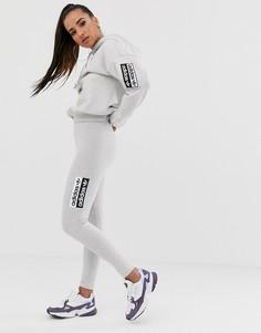 Серые леггинсы с логотипом-трилистником adidas Originals RYV - Серый