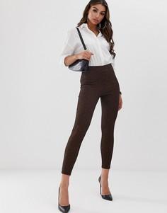Жаккардовые зауженные брюки без застежки с геометрическим узором ASOS DESIGN - Мульти