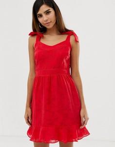Летнее платье с бантами на плечах и оборкой Naf Naf - Красный
