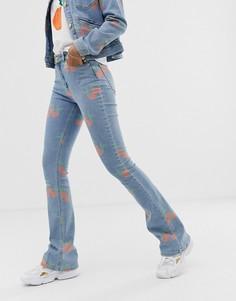Расклешенные джинсы с принтом персиков Fabienne Chapot - Синий