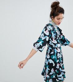Платье мини с запахом и принтом Monki - Мульти