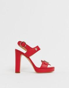 Босоножки на каблуке и платформе Love Moschino - Красный