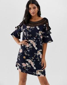Платье мини с цветочным принтом и вставками кроше Liquorish - Темно-синий