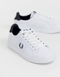 Кожаные кроссовки на шнуровке с перфорацией Fred Perry B72 - Белый