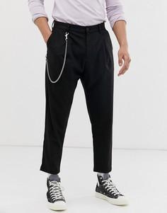 Черные брюки-морковки с цепочкой Bershka - Черный