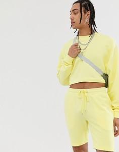 Желтый спортивный костюм укороченного кроя из oversize-топа и шортов ASOS DESIGN - Желтый